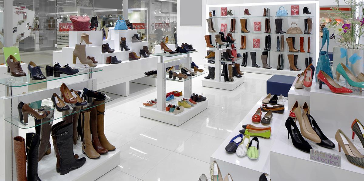 Schuhgeschäft Schuhständer Ware